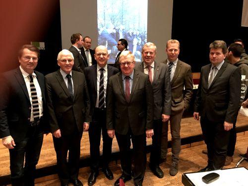 Guido Gutsche (Vorsitzender der CDU-Kreistagsfraktion), Josef Uphoff (Bürgermeister von Sassenberg), der neue Präsident der Landwirtschaftskammer NRW  Karl Werring, MdB Reinhold Sendker, Paul Tegelkämper (baupolitischer Sprecher der CDU-Kreistagsfraktion)
